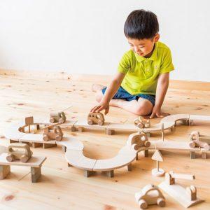 日本製の人気の木のおもちゃ!1歳の男の子が遊ぶのにおすすめは?